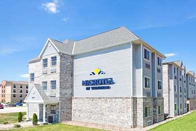 Pet Friendly Microtel Inn & Suites by Wyndham Urbandale/Des Moines in Urbandale, Iowa