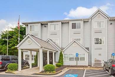 Pet Friendly Microtel Inn by Wyndham Atlanta Airport in College Park, Georgia