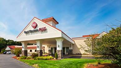 Pet Friendly Best Western Plus North Haven Hotel in North Haven, Connecticut