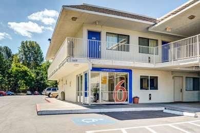 Pet Friendly Motel 6 Portland East - Troutdale in Troutdale, Oregon