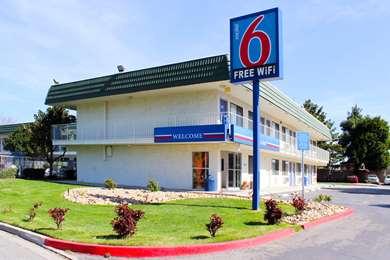 Pet Friendly Motel 6 King City Ca in King City, California
