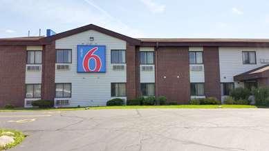 Pet Friendly Motel 6 Saukville Wi in Saukville, Wisconsin