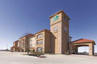 Pet Friendly La Quinta Inn & Suites Belton in Belton, Texas