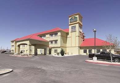 Pet Friendly La Quinta Inn & Suites Hobbs in Hobbs, New Mexico