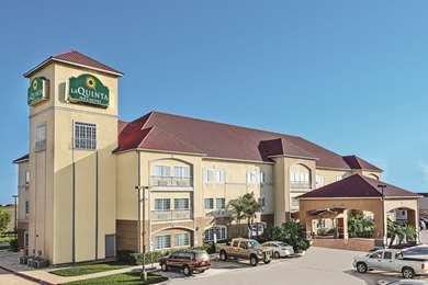 Pet Friendly La Quinta Inn & Suites Mercedes in Mercedes, Texas