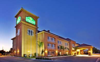 Pet Friendly La Quinta Inn & Suites Fowler in Fowler, California