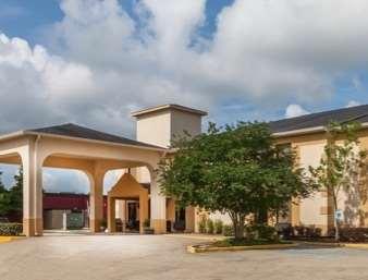 Pet Friendly La Quinta Inn & Suites New Iberia in New Iberia, Louisiana