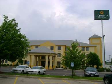 Pet Friendly La Quinta Inn & Suites Dayton North - Tipp City in Tipp City, Ohio