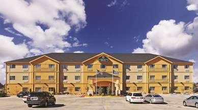 Pet Friendly La Quinta Inn & Suites Ada in Ada, Oklahoma