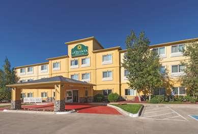 Pet Friendly La Quinta Inn & Suites Henderson-Northeast Denver in Henderson, Colorado