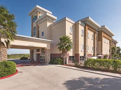 Pet Friendly La Quinta Inn & Suites Mathis in Mathis, Texas