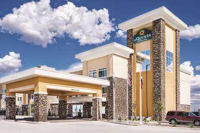 Pet Friendly La Quinta Inn & Suites Monahans in Monahans, Texas
