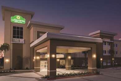 Pet Friendly La Quinta Inn & Suites Gonzales in Gonzales, Texas