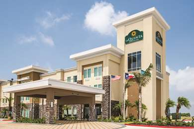Pet Friendly La Quinta Inn & Suites Corpus Christi - Portland in Portland, Texas