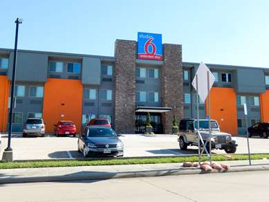 Pet Friendly Quality Inn & Suites in Plano, Texas