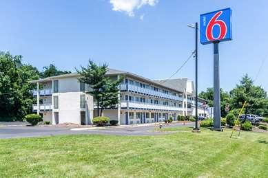 Pet Friendly Motel 6 Philadelphia PA - Brooklawn NJ in Brooklawn, New Jersey