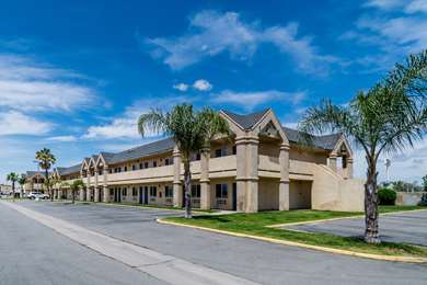 Pet Friendly Motel 6 Buttonwillow Central in Buttonwillow, California