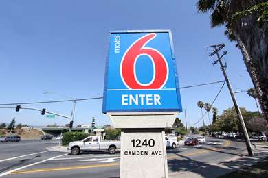Pet Friendly Motel 6 San Jose - Campbell in Campbell, California