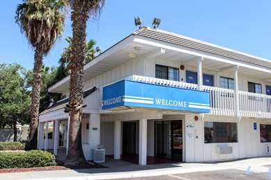 Pet Friendly Motel 6 Coalinga East in Coalinga, California