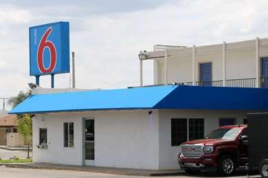 Pet Friendly Motel 6 Delano Ca in Delano, California