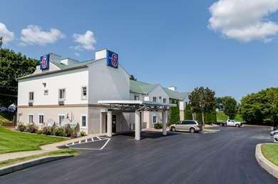 Pet Friendly Motel 6 Gordonville in Gordonville, Pennsylvania