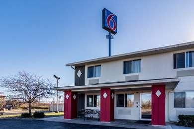 Pet Friendly Motel 6 Barkeyville Pa in Harrisville, Pennsylvania