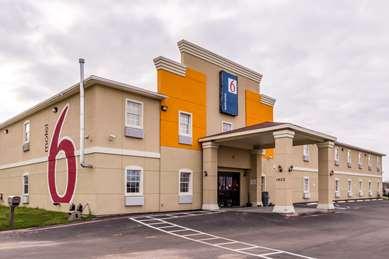 Pet Friendly Motel 6 Jourdanton Tx in Jourdanton, Texas