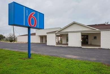 Pet Friendly Motel 6 Madisonville Tx in Madisonville, Texas