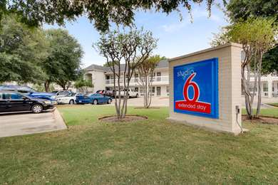 Pet Friendly Studio 6 Ft Worth - North Richland Hills in North Richland Hills, Texas