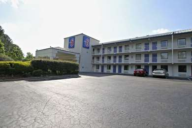 Pet Friendly Motel 6 Raleigh Southwest - Cary in Raleigh, North Carolina
