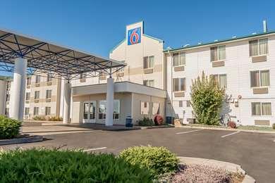 Pet Friendly Motel 6 Redmond in Redmond, Oregon