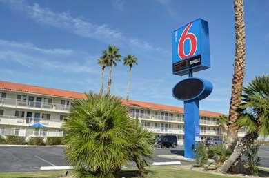 Pet Friendly Motel 6 Twentynine Palms in Twentynine Palms, California
