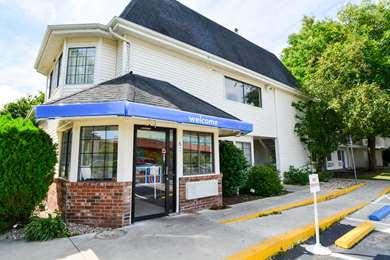 Pet Friendly Motel 6 Hartford - Wethersfield in Wethersfield, Connecticut