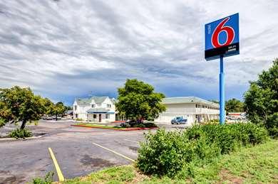 Pet Friendly Motel 6 Denver West Wheat Ridge - North in Wheat Ridge, Colorado