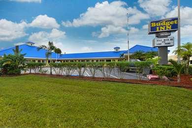 Pet Friendly Budget Inn Okeechobee in Okeechobee, Florida