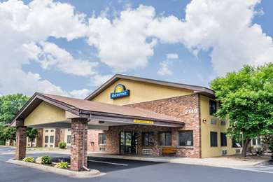 Pet Friendly Days Inn Mounds View Twin Cities North in Mounds View, Minnesota