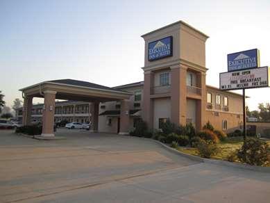 Pet Friendly Executive Inn & Suites Joaquin in Joaquin, Texas