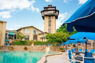 Pet Friendly Tanglewood Resort and Conference Center in Pottsboro, Texas