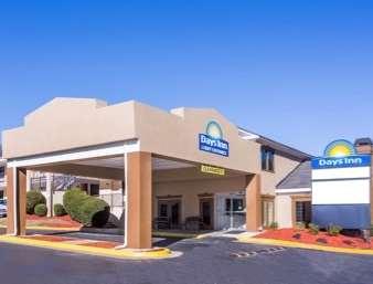 Pet Friendly Days Inn Airport Best Road in College Park, Georgia