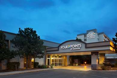 Pet Friendly Four Points by Sheraton Chicago O'Hare Airport in Schiller Park, Illinois