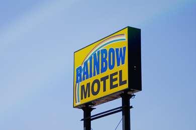 Pet Friendly Rainbow Motel Hastings in Hastings, Nebraska