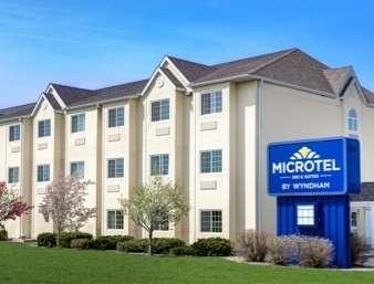 Pet Friendly Microtel Inn & Suites by Wyndham Mankato in Mankato, Minnesota