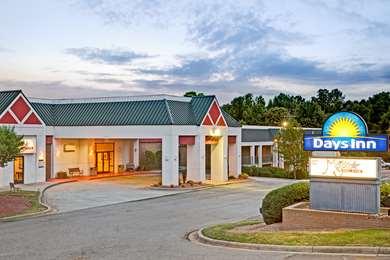 Pet Friendly Days Inn Cornelius Lake Norman in Cornelius, North Carolina