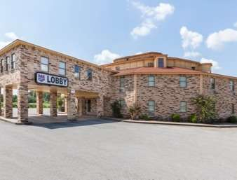 Pet Friendly Knights Inn And Suites Searcy in Searcy, Arkansas