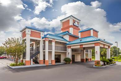Pet Friendly Days Inn Chiefland in Chiefland, Florida