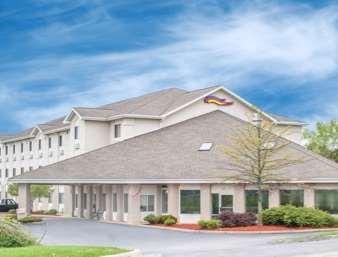 Pet Friendly Baymont Inn & Suites Freeport in Freeport, Illinois