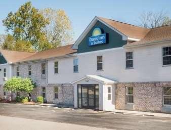 Pet Friendly Home Lodge Louisville Sellersburg in Sellersburg, Indiana