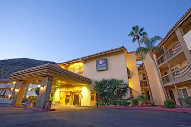 Pet Friendly Red Lion Inn & Suites Cathedral City in Cathedral City, California