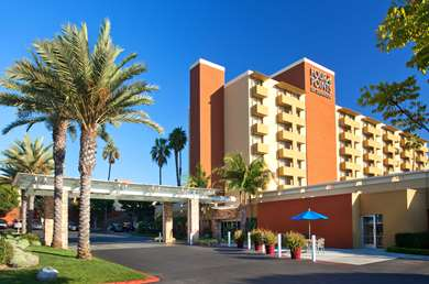 Pet Friendly Four Points by Sheraton Los Angeles Westside in Culver City, California