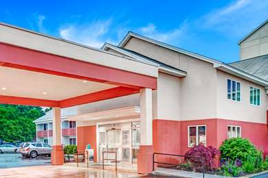Pet Friendly Days Hotel And Conference Center - Methuen MA in Methuen, Massachusetts